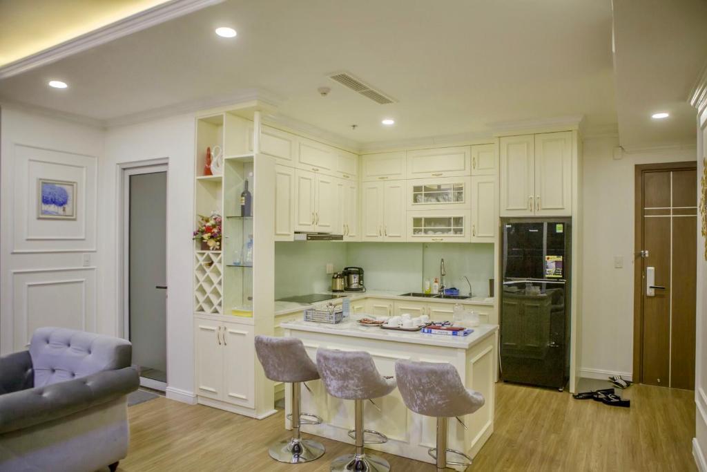Không gian phòng bếp của Luxury homestay 3 ngủ