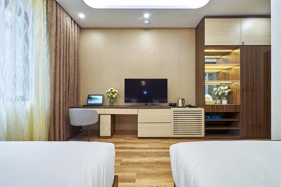 phòng ngủ số 2 tại BBQ Hostel Villa Hạ Long