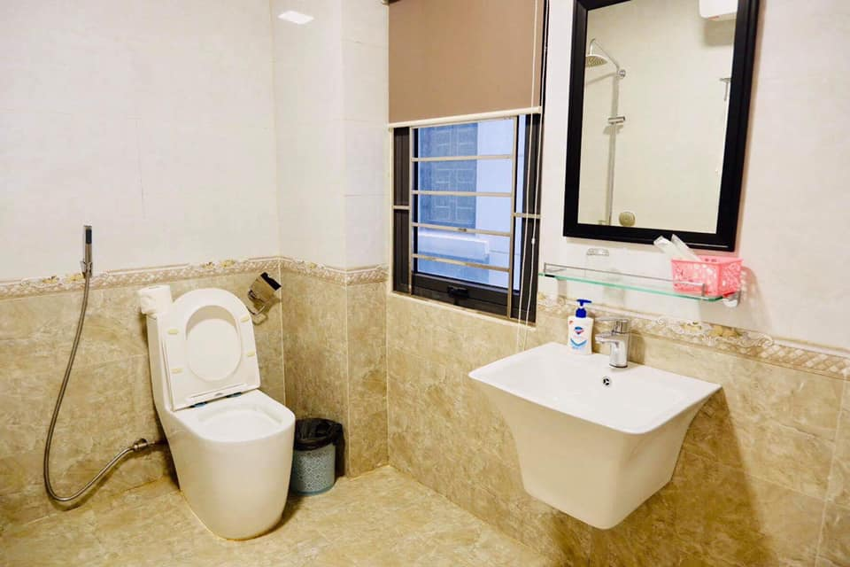 nhà vệ sinh của Bạch Dương House Hạ Long