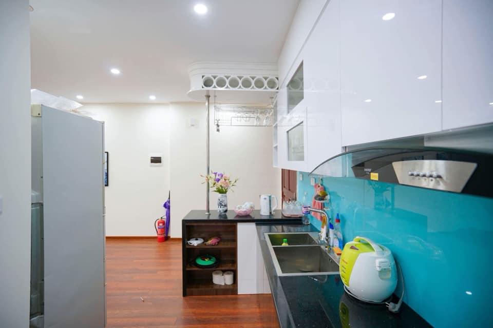 Phòng bếp tại hộ homestay 709 Newlife tower