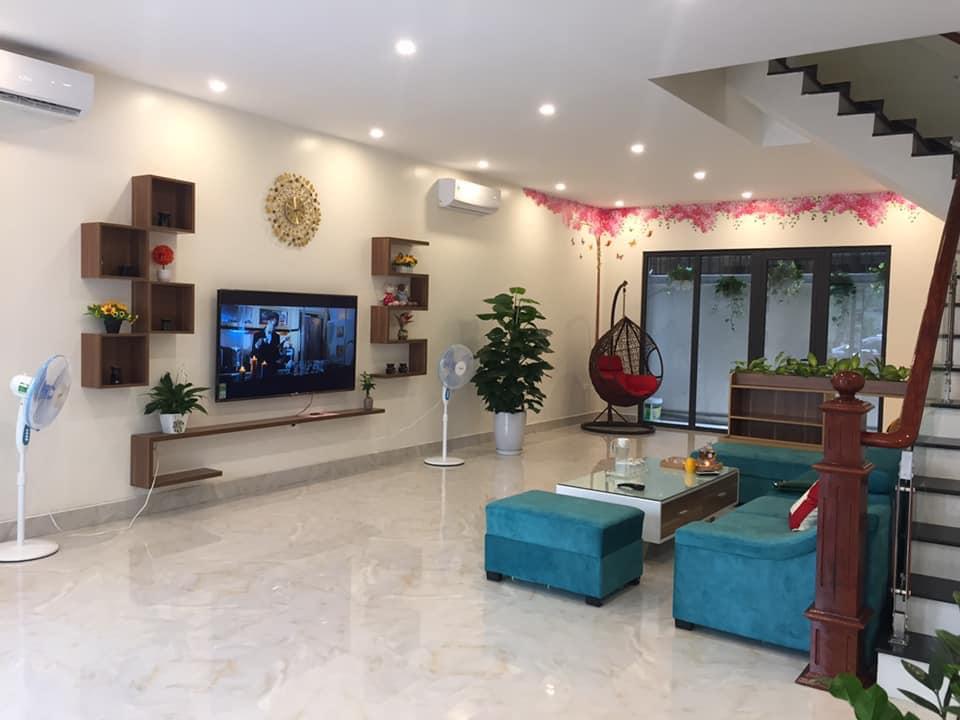 phòng khách villa Bạch Dương House Hạ Long