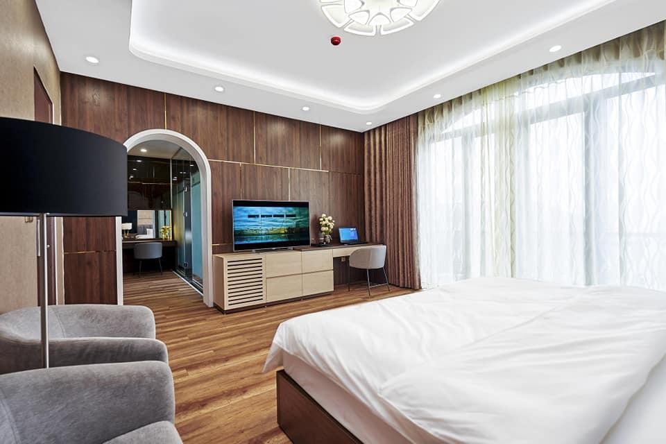 phòng ngủ thứ 1 tại BBQ Hostel Villa Hạ Long