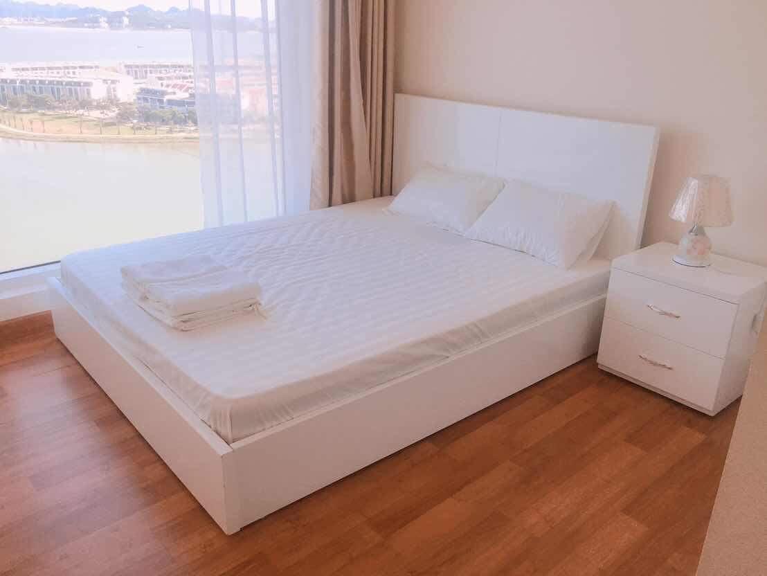 Phòng ngủ căn hộ 1202 green bay Premium hạ long