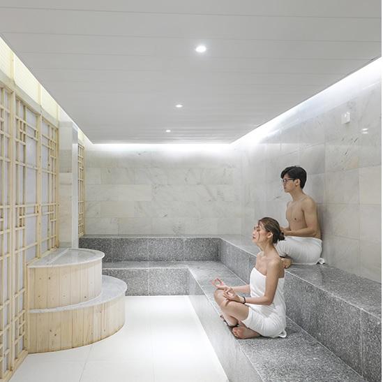 hư giãn, giảm căng thẳng khi xông hơi tại Yoko Onsen Quang Hanh