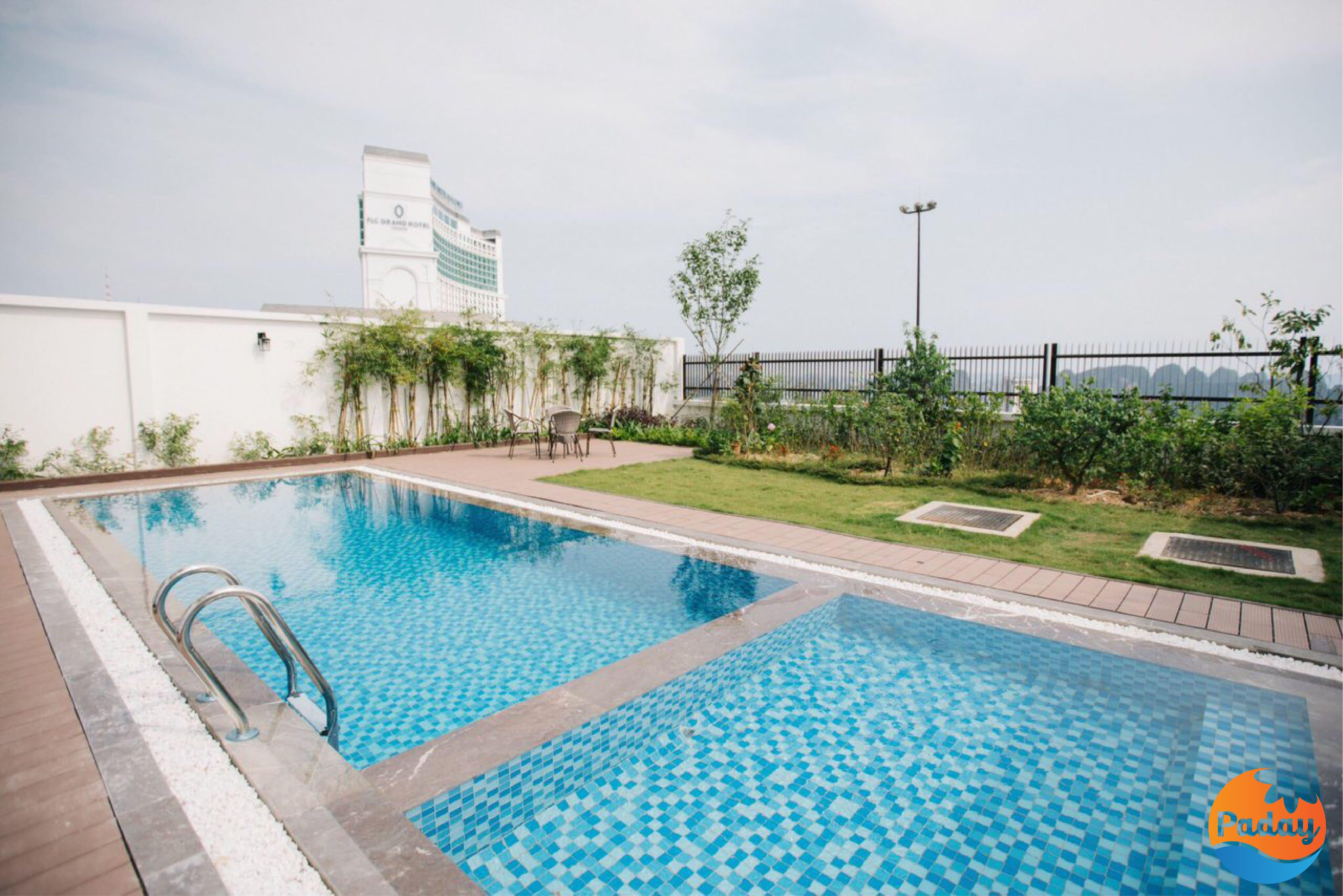 bể bơi resort hạ long bay